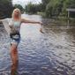 В Twitter возмутились фотосессией Волочковой в затопленном Приамурье