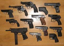 Украинцы не готовы к свободной продаже травматического оружия – эксперты