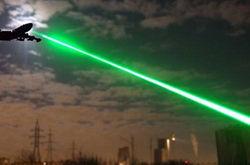 В Екатеринбурге неизвестные ослепили лазером пилота пассажирского Boeing 737