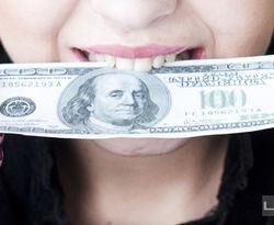 """Украинцы держат 10 процентов мировой """"налички"""" доллара"""