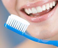зубная щетка и нить