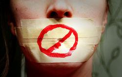 Свобода слова в ЕС и России: за что штрафуют СМИ