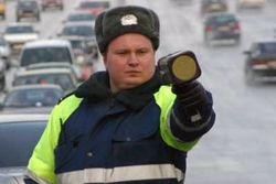 ТОП видео Youtube: в Москве ДПС бежит с поста, когда СМИ их поймали с поличным
