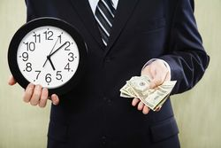 Банки обещали отсрочить выплаты по кредитным обязательствам жителям Крымска