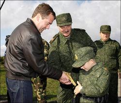 ВКонтакте обсуждают подарок Лукашенко сыну - пневматическое ружье