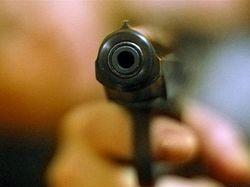 В Приамурье на глазах у полиции застрелили мужчину