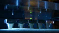 Реальная левитация: ученые подняли в воздух зубочистку с помощью звука