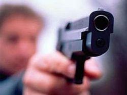Путь себе на киевских улицах водитель Nissan расчищал… пистолетом