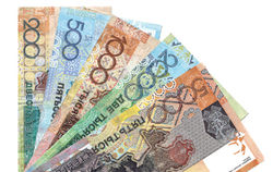 Курс тенге укрепился к евро и фунту стерлингов