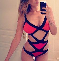 Алена Водонаева опубликовала свои фото ню в бикини
