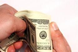 Почему Нацбанк Беларуси решил вновь рассмотреть вопрос валютного кредитования граждан