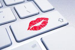 Украинцы занялись скупкой секс-игрушек в Интернете