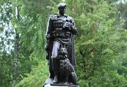 Туристам: В Киеве появился новый памятник – Защитникам границ Отечества