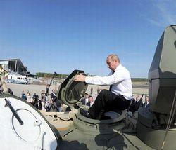 Владимир Путин прибыл на УВЗ посмотреть на производство танков