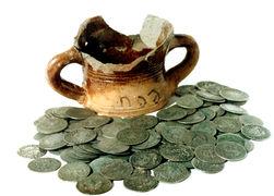 На Волыни найден клад в сотни тысяч гривен