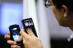 """Продажи мобильных телефонов через интернет способстуют росту """"серого"""" рынка в России"""