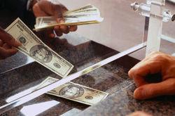 Янукович предложил уменьшить стоимость кредитов