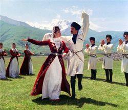 В армянских школах будут преподавать танцы