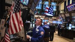 Под влиянием новостей о плане разрешения бюджетной проблемы биржи США завершили год в плюсе