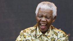 В ЮАР госпитализировали 94-летнего Нельсона Манделу