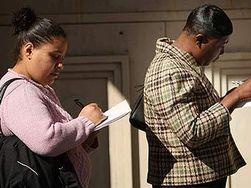 Количество обращений за пособиями по безработице неожиданно снизились