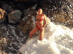 PR в шоу-бизнесе: Волочкова выложила фото ню в Интернете