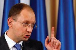 Яценюк обвинил секретаря Совета нацбезопасности в избиении «людей и депутатов»