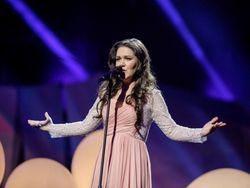 Дина Гарипова возглавила чарт российского интернет-магазина iTunes