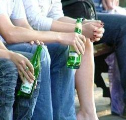 В Подмосковье двое юношей смертельно отравились, распивая спиртные напитки
