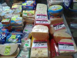 Украинцы предпочитают покупают дешевую еду в Польше и Венгрии