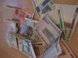 Курс белорусского рубля снизился по отношению к фунту стерлингов и евро