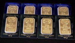 Кризис в Европе оказывает давление на рынок золота