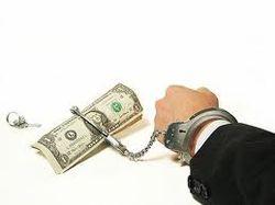 В среднем, каждый гражданин Украины должен банкам тысячу долларов кредитов