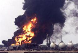 На нефтебазе в Ангарске пожар возобновился после нового взрыва