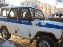 В Челябинске сбежал арестант, выпрыгнув на ходу из полицейского авто