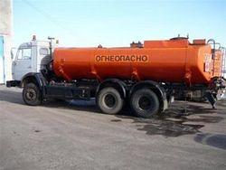 Микроавтобус с людьми столкнулся с бензовозом в Самарской области