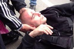 Избитый друзьями насильника офицер полиции объяснил, почему не стрелял