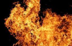 Судоремонтный завод в Одесской области охвачен пламенем