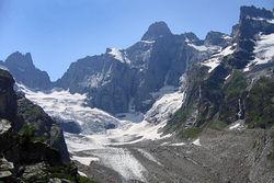 Альпинисты Северной Осетии предлагают назвать именем Чавеса пик на Кавказе