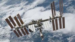 Астронавты на МКС от казались от повторного выхода в открытый космос
