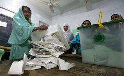 В Пакистане прошли исторические выборы в парламент, - выводы