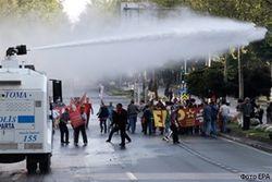 У турецкой полиции заканчиваются запасы гранат со слезоточивым и перцовым газом