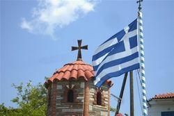 Министр здравоохранения Греции получил тумаков от протестующих