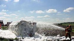 Цистерна с опасным грузом перевернулась под Минском