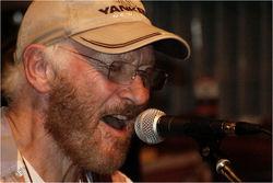 Умер гитарист Тони Шеридан, записавший первую пластинку The Beatles