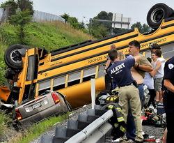 Названа принчина страшного ДТП с шестью школьными автобусами в США
