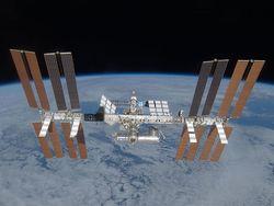 Космический мусор вынудил ЦУП скорректировать орбиту МКС