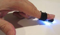 Инновации для мобильников – стилус-наперсток и робот-очиститель экрана