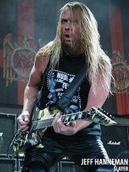 Гитарист метал-группы Slayer Джефф Ханнеман скончался из-за укуса паука