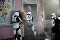 "В Одессе штурмовики Дарта Вейдера напали на торговцев ""травкой"""